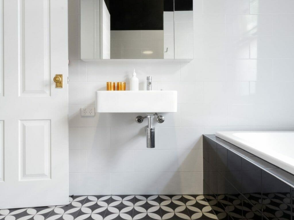 Modern Bathroom With Light Finish